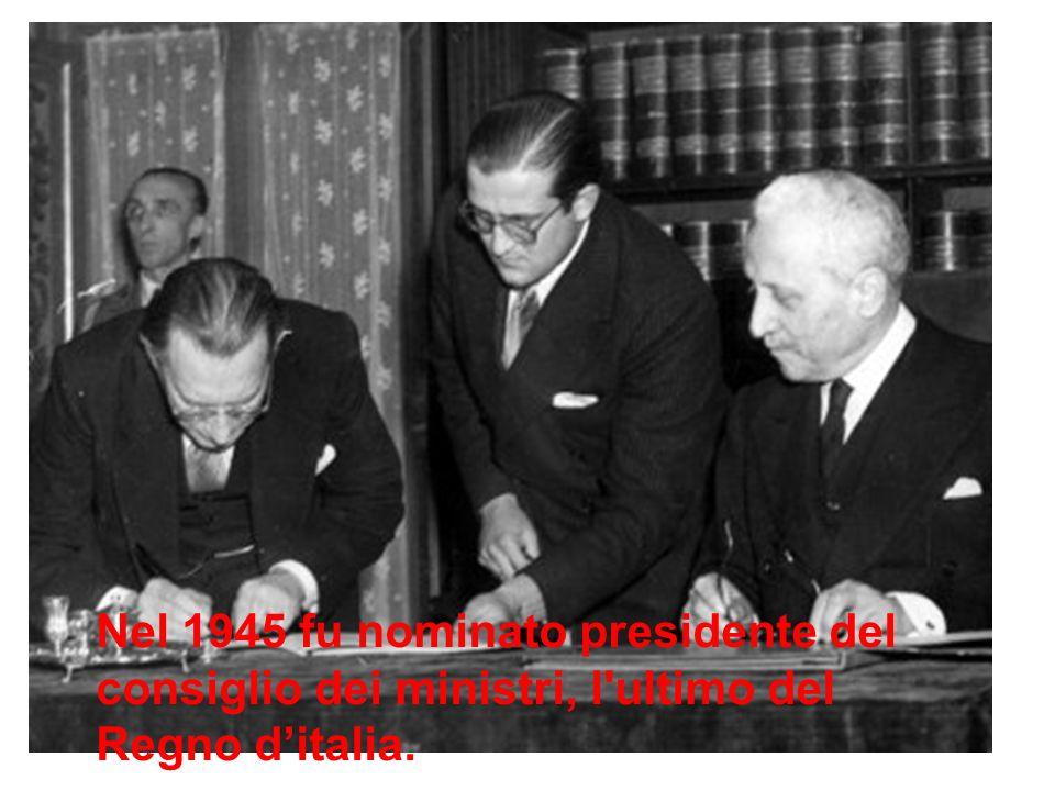 De Gasperi cumulò nella sua persona le due cariche di capo del Governo (presidente del Consiglio dei ministri) e di capo dello Stato fino al 1°luglio
