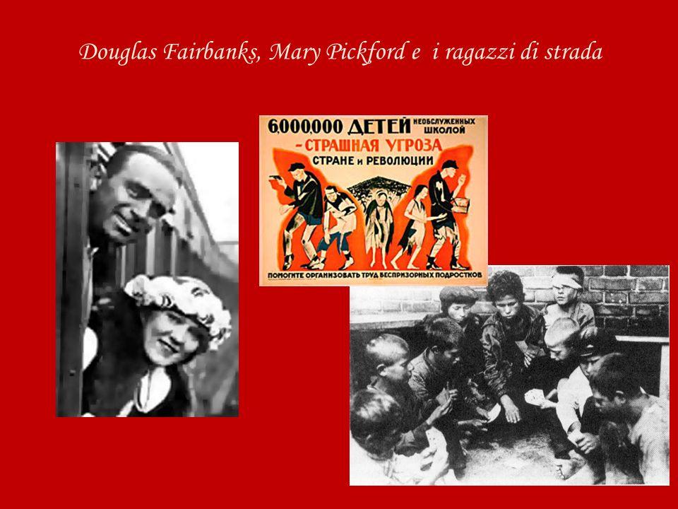 Douglas Fairbanks, Mary Pickford e i ragazzi di strada