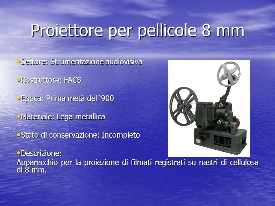 Proiettore per pellicole 8 mm Settore: Strumentazione audiovisiva Settore: Strumentazione audiovisiva Costruttore: FACS Costruttore: FACS Epoca: Prima