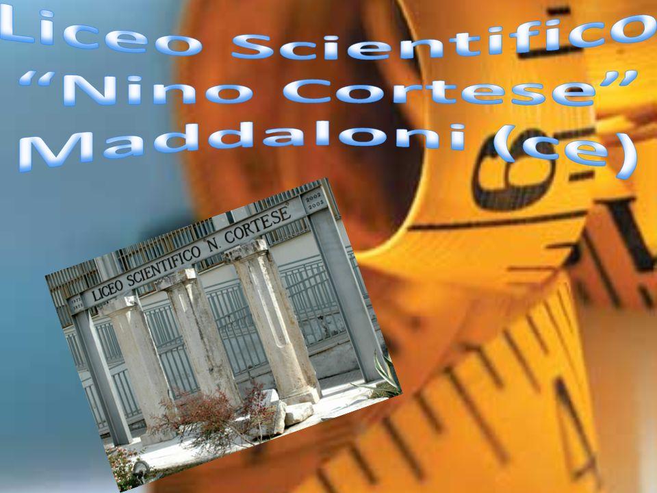 Meccanica quantistica La meccanica quantistica è una teoria fisica che si è sviluppata e consolidata nella prima metà del XX secolo, per supplire all inadeguatezza della meccanica classica relativa alla descrizione del moto delle particelle costituenti la materia.