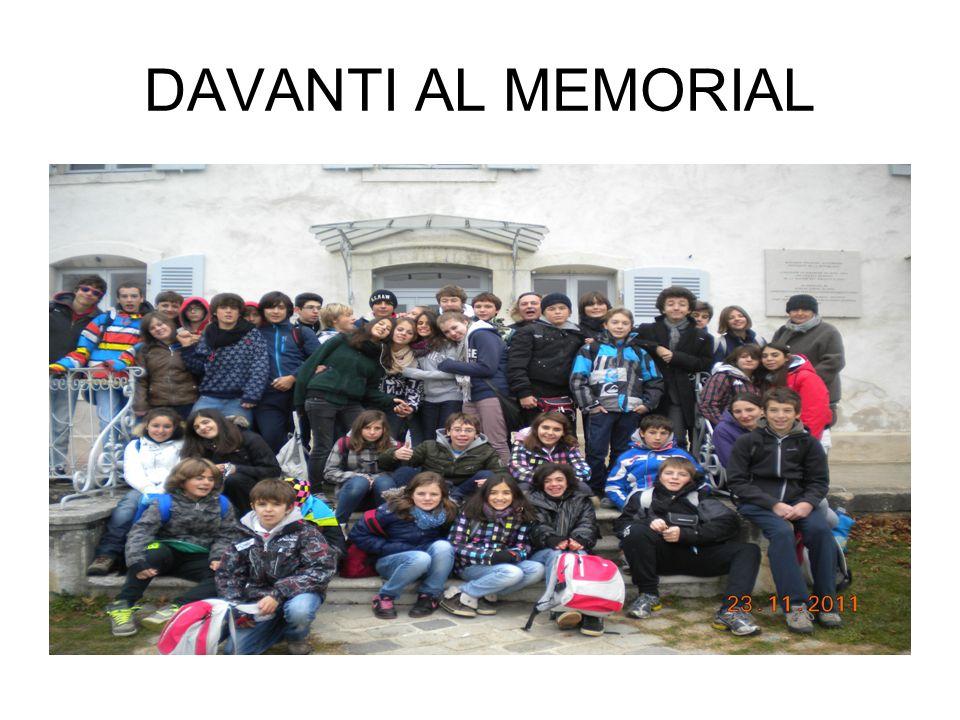 DAVANTI AL MEMORIAL