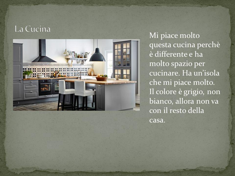 Mi piace molto questa cucina perchè è differente e ha molto spazio per cucinare.