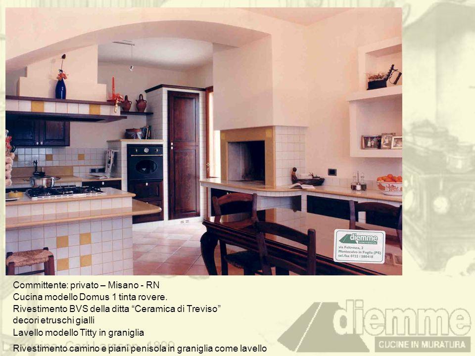 Committente: privato – Misano - RN Cucina modello Domus 1 tinta rovere. Rivestimento BVS della ditta Ceramica di Treviso decori etruschi gialli Lavell