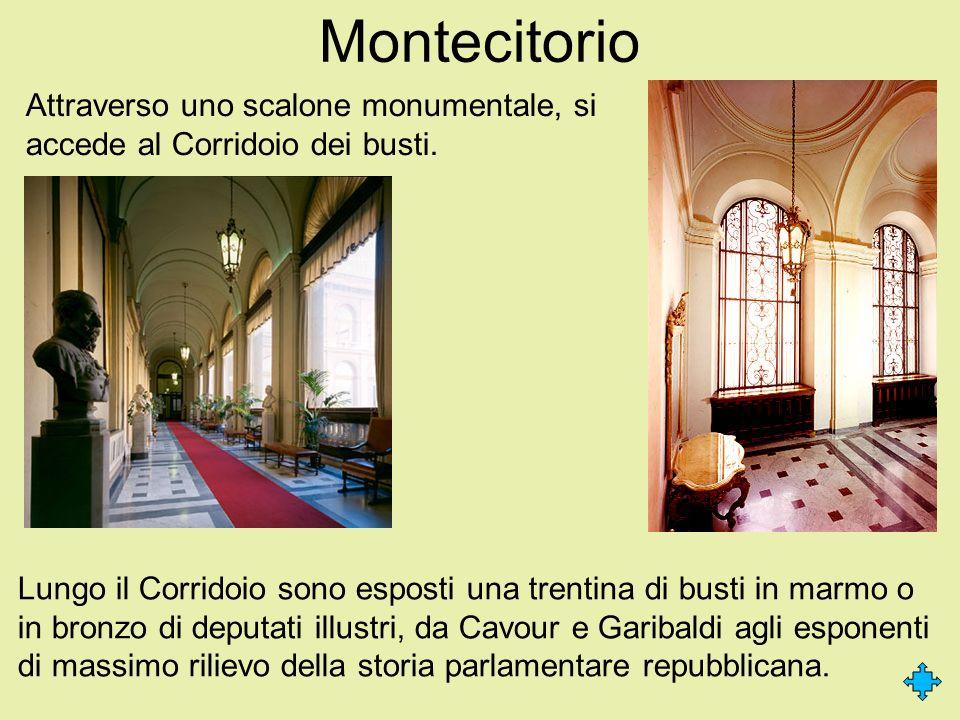 Montecitorio Attraverso uno scalone monumentale, si accede al Corridoio dei busti. Lungo il Corridoio sono esposti una trentina di busti in marmo o in