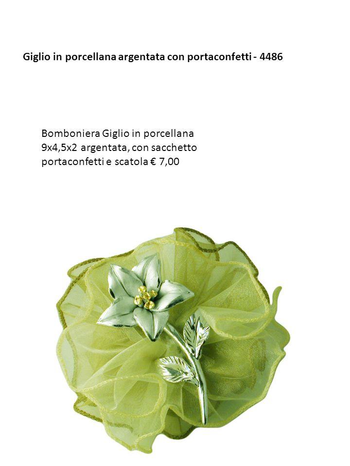 Giglio in porcellana argentata con portaconfetti - 4486 Bomboniera Giglio in porcellana 9x4,5x2 argentata, con sacchetto portaconfetti e scatola 7,00
