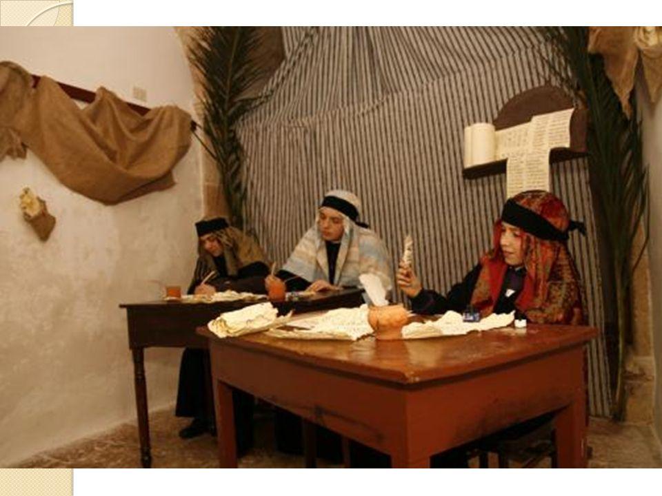 Gli scribi. Erano gli uomini del Libro, gli specialisti e interpreti delle Sacre Scritture. Si preparavano a entrare nella corporazione attraverso un