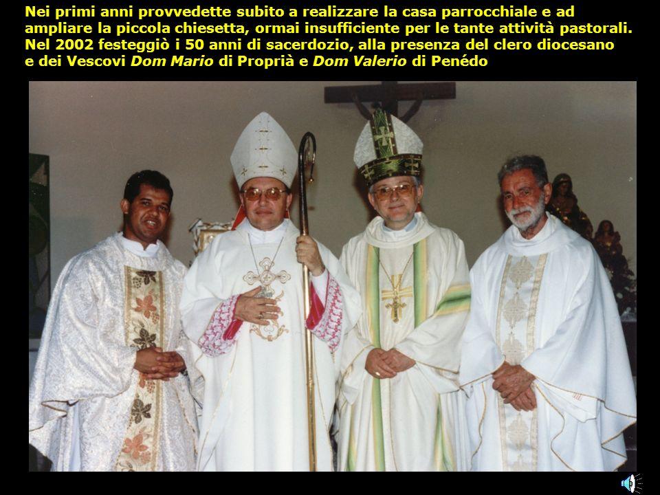 Nel 1996, a quasi 70 anni, don Vincenzo De Florio chiese alla nostra Diocesi, dapprima per un anno e poi missionario fidei donum, di potersi mettere al servizio della piccola comunità di Santana do S.