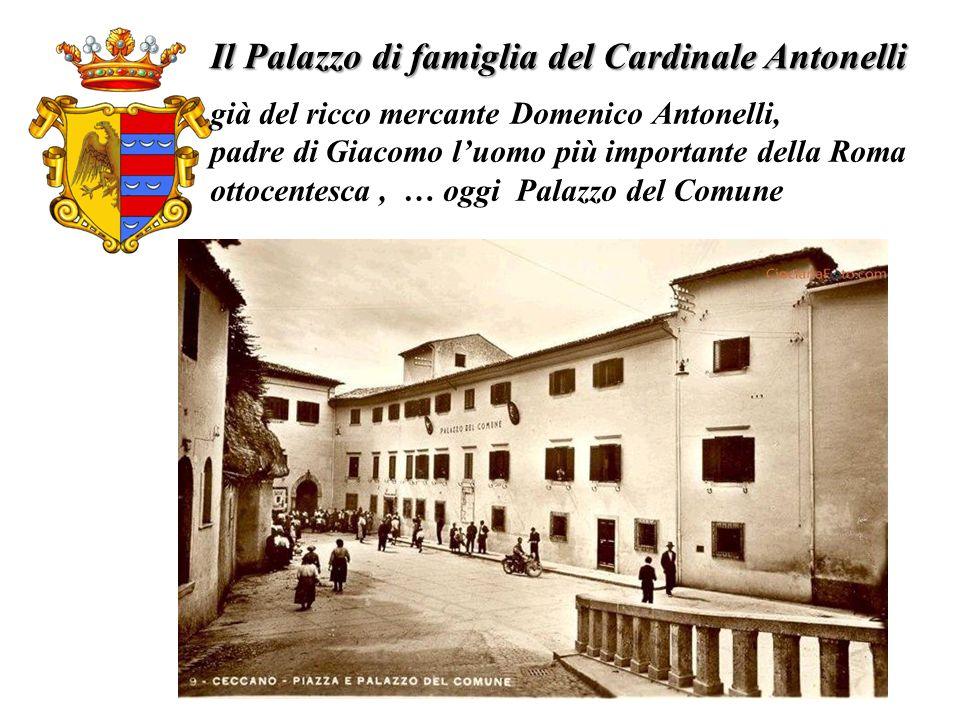 Il Palazzo di famiglia del Cardinale Antonelli già del ricco mercante Domenico Antonelli, padre di Giacomo luomo più importante della Roma ottocentesc