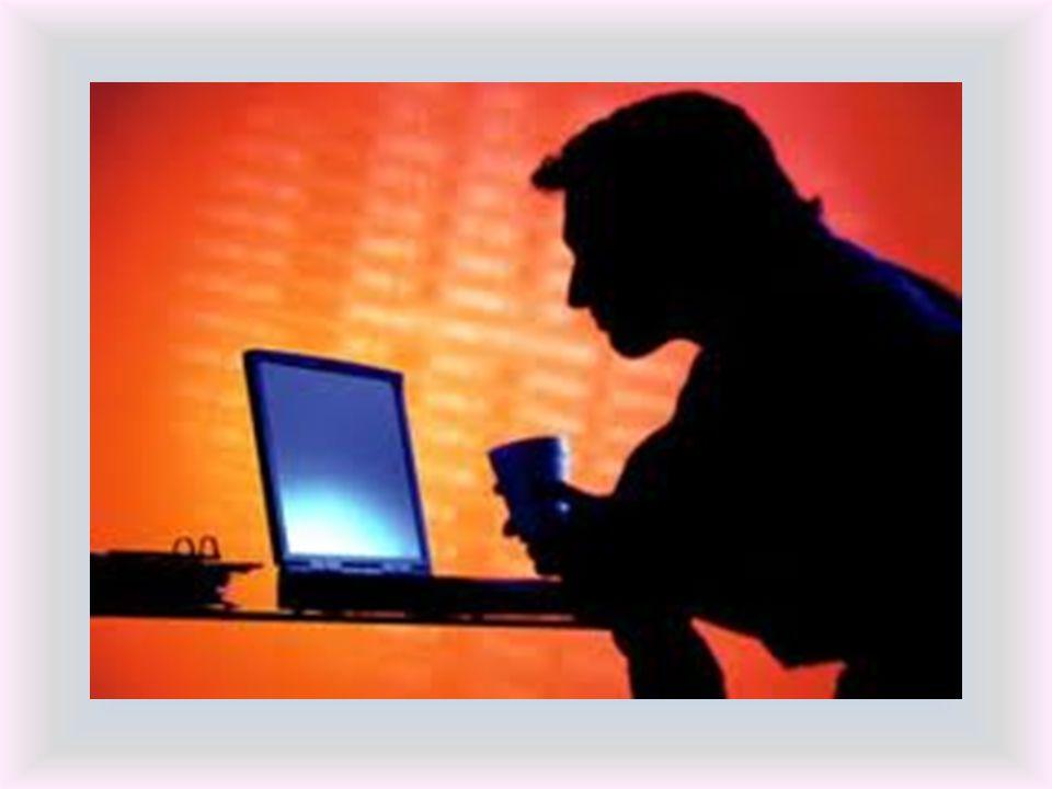 Spesso, dietro un amico di chat si nasconde unaltra persona, un adulto, che si finge coetaneo per conquistare la fiducia ed instaurare una amicizia con la vittima.