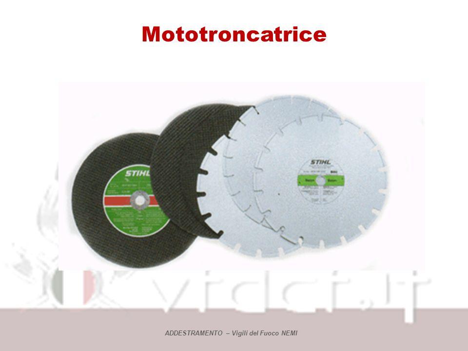 Mototroncatrice Prima delluso Assicurarsi che ogni componente sia ben montato e fissato; Assicurarsi che il carter di protezione dalle scintille sia i