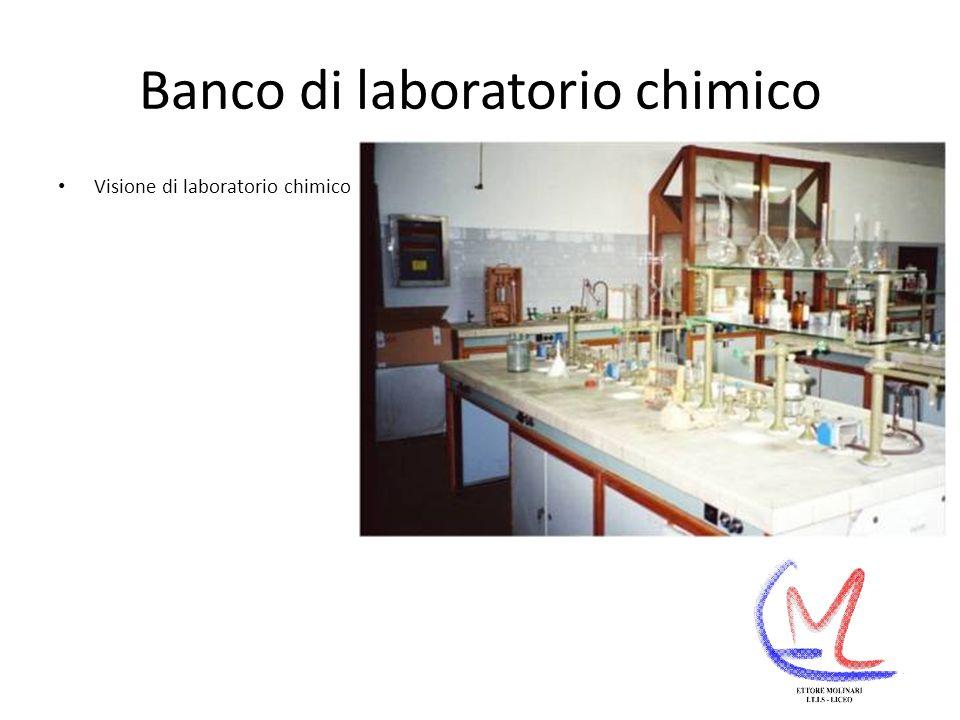 Microscopio Ditta produttrice : Galileo Microscopio per analisi di fibre tessili mediante il quale è possibile realizzare microfotografie di campioni di fibre.