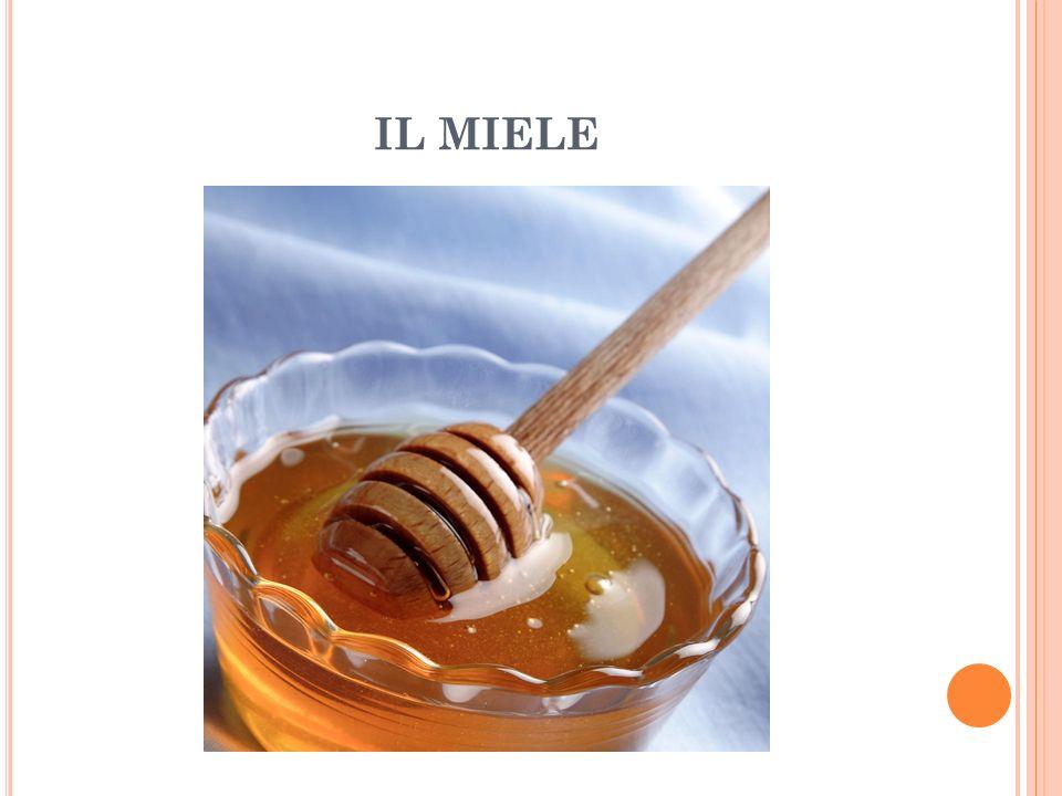 LA SMELATURA – FASE 2 I telai, con i favi carichi di miele, vengono posizionati in una macchina detta smelatrice , che grazie alla forza centrifuga estrae il miele.