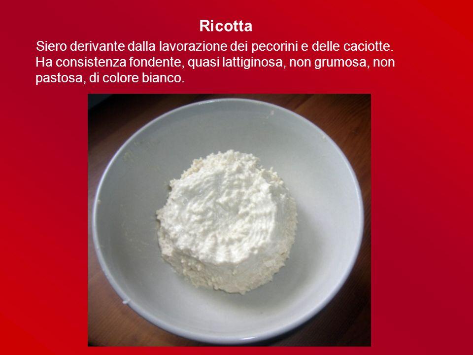 Pane e Pizze Pane a lievitazione naturale: farina di grano tenero, acqua e sale, lievito acido, sale.