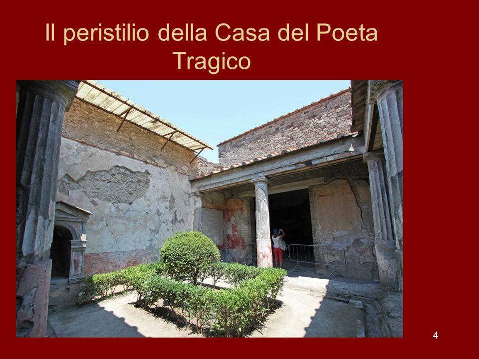 5 Il Larario nel peristilio della Casa del Poeta Tragico