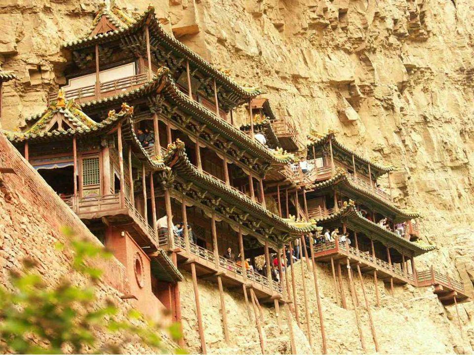 Esperti di costruzioni provenienti da diversi paesi del mondo tra cui Gran Bretagna, Germania e Italia, vengono a vedere il monastero in quanto la sua