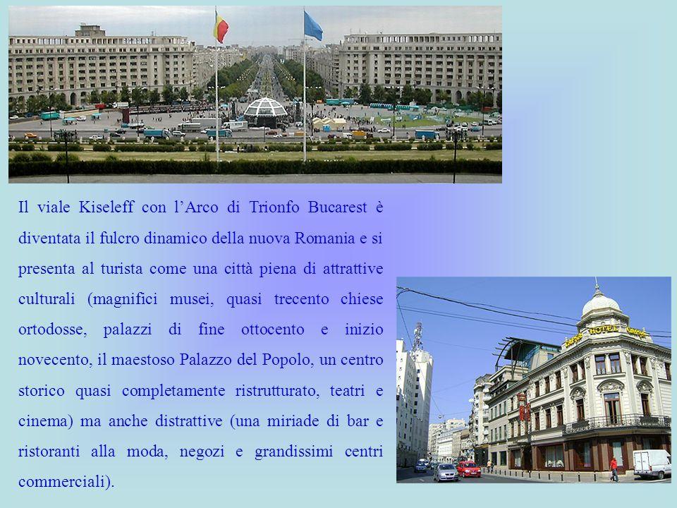 Il viale Kiseleff con lArco di Trionfo Bucarest è diventata il fulcro dinamico della nuova Romania e si presenta al turista come una città piena di at