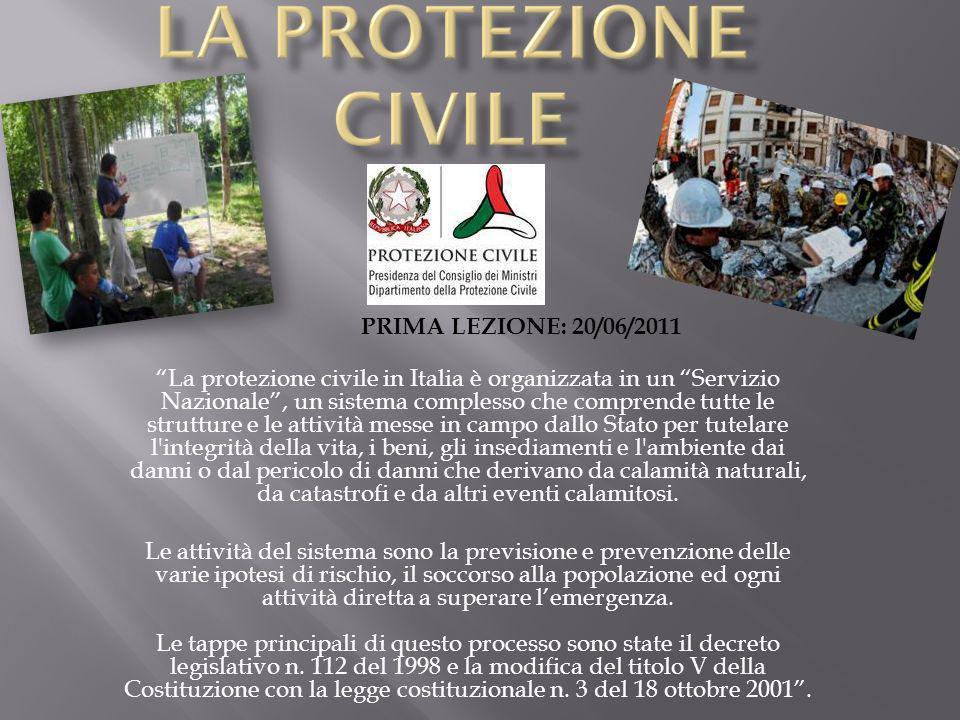 La protezione civile in Italia è organizzata in un Servizio Nazionale, un sistema complesso che comprende tutte le strutture e le attività messe in ca