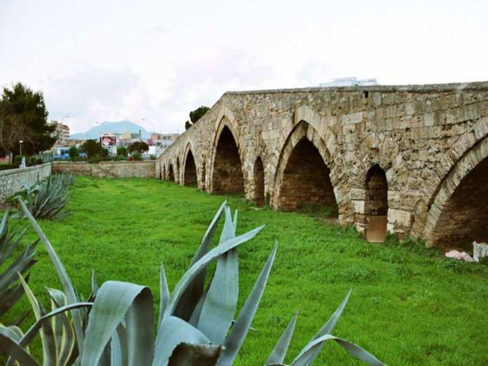 Costruito intorno al 1132 per volere del Grande Ammiraglio, Giorgio d'Antiochia, un greco divenuto dal 1125 ministro di re Ruggero II, costituisce un'