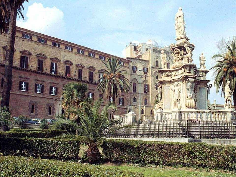 Federico II Costanza dAltavilla Guglielmo I il Malo Enrico IV Federico dAntochia Ruggero II Tombe nella cattedrale