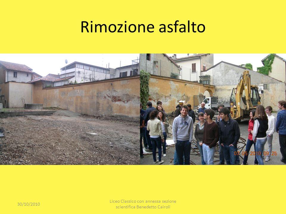 Rimozione asfalto 30/10/2010 Liceo Classico con annessa sezione scientifica Benedetto Cairoli