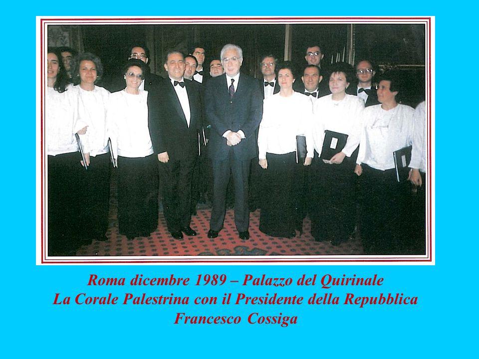 Roma dicembre 1989 – Palazzo del Quirinale La Corale Palestrina con il Presidente della Repubblica Francesco Cossiga