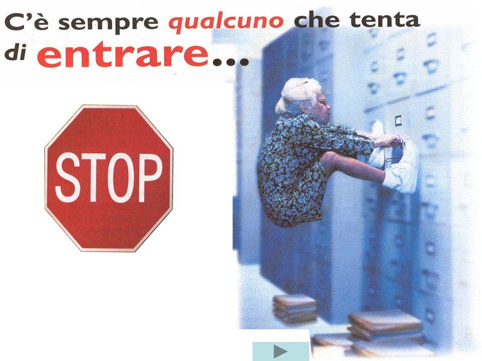 www.matura.it Gli apparati di rete ROUTER Il router svolge 2 attività principali: determinazione del percorso ottimale dei pacchetti trasporto delle i