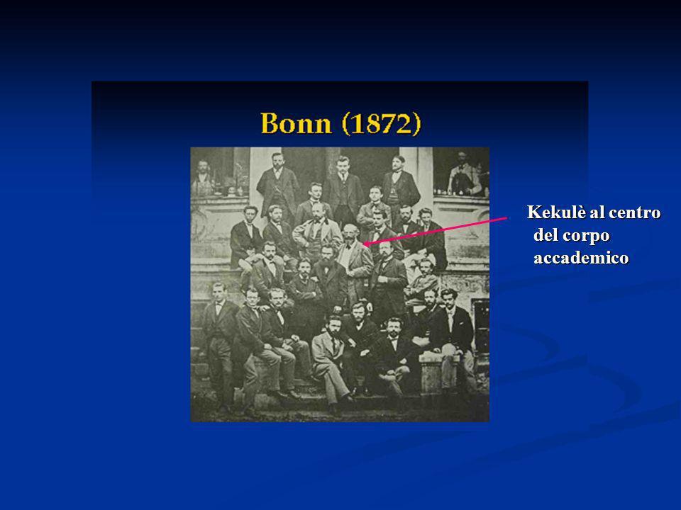 Kekulè al centro del corpo accademico Kekulè al centro del corpo accademico