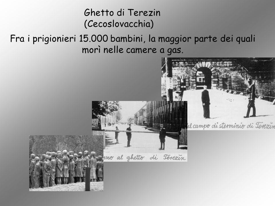 Fra i prigionieri 15.000 bambini, la maggior parte dei quali morì nelle camere a gas. Ghetto di Terezin (Cecoslovacchia)