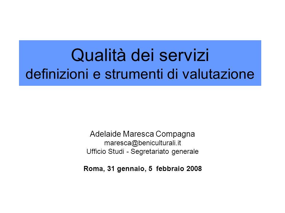 Argomenti Lattenzione crescente al miglioramento della qualità della pubblica amministrazione Norme e direttive - Motivazioni e orientamenti generali Cosa sintende per qualità e come si valuta Criteri generali per lerogazione dei servizi pubblici Metodi universali (approccio allorganizzazione) EFQM, CAF, ISO 9001 Metodi specifici (approccio tecnico con riferimento alla funzione istituzionale) Criteri tecnico-scientifici e standard condivisi per i musei italiani Sistemi di accreditamento/riconoscimento dei musei locali La carta della qualità di musei, aree archeologiche, biblioteche e archivi Lassunzione di precisi impegni, il monitoraggio da parte della struttura, i reclami La rilevazione della soddisfazione dellutente Indagini periodiche e osservazione sul campo La diffusione di una cultura della qualità Difficoltà, responsabilità collettive e impegno individuale