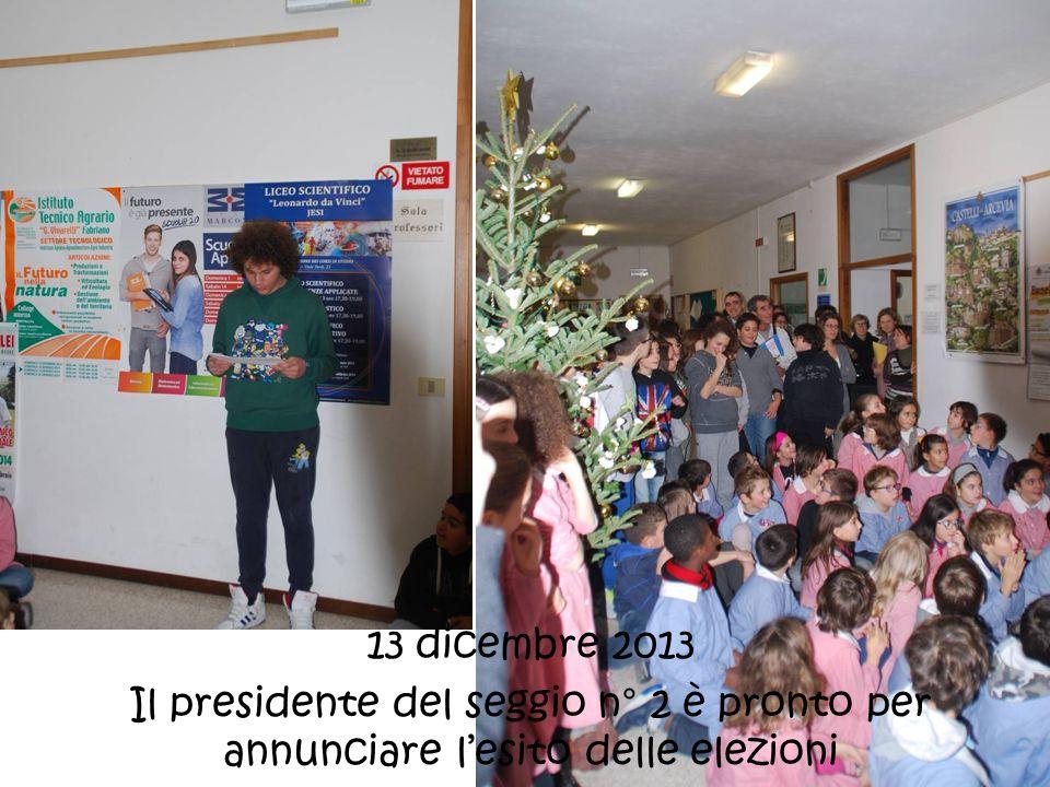 13 dicembre 2013 Il presidente del seggio n° 2 è pronto per annunciare lesito delle elezioni