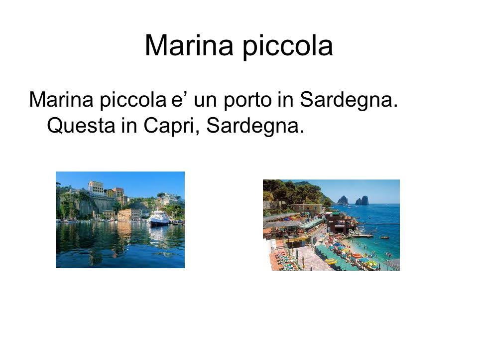 Marina piccola Marina piccola e un porto in Sardegna. Questa in Capri, Sardegna.