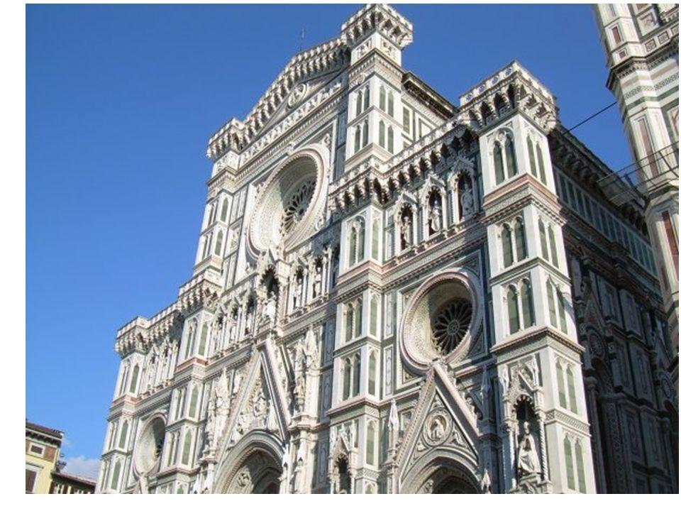 A Firenze abbiamo tantissime piazze bellissime come la piazza della Signoria, Palazzo Pitti (che ha anche un museo) e la piazza della Repubblica.