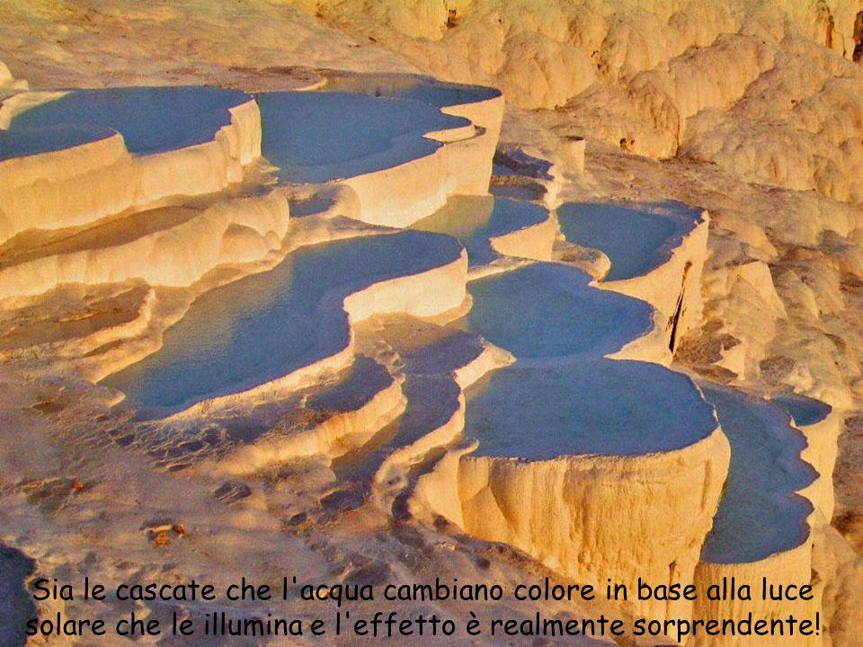 Sia le cascate che l'acqua cambiano colore in base alla luce solare che le illumina e l'effetto è realmente sorprendente!