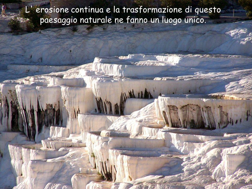 L' erosione continua e la trasformazione di questo paesaggio naturale ne fanno un luogo unico.