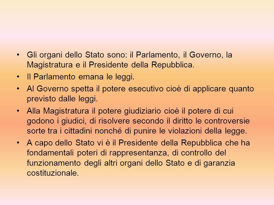 COSTITUZIONE La Costituzione italiana è in primo luogo una Costituzione repubblicana. Il referendum del 2 Giugno 1946 ha sancito la fine della monarch