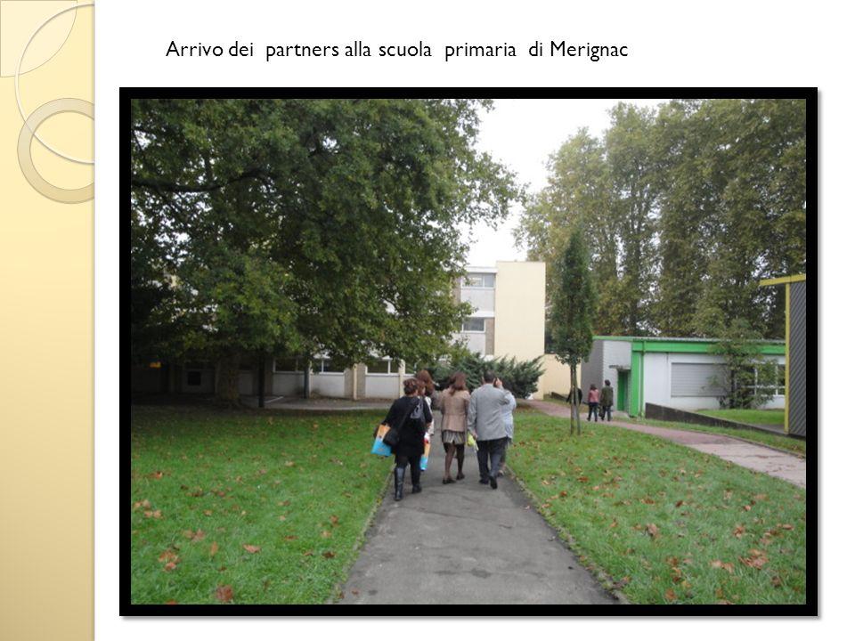 Arrivo dei partners alla scuola primaria di Merignac