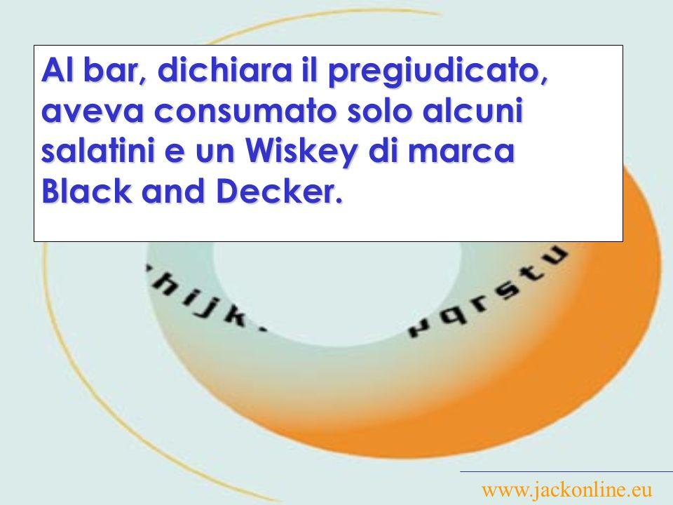 www.jackonline.eu Alla perquisizione, notavamo all altezza dei genitali un bozzo anomalo, dopo aver proceduto alla stessa, constatavamo che detto bozzo risultava essere una pistola calibro 7.65.