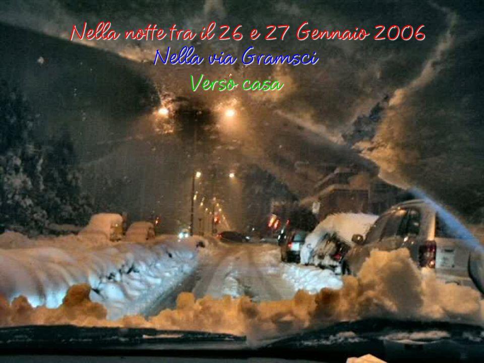 Dopo la nevicata del 28 Dicembre 2005 su SAN DONATO MILANESE una più intensa si ebbe nei giorni del 26 e 27 Gennaio 2006, Ho fatto e assemblato alcune foto che riguardano il nostro condominio PER LA VISIONE !!.