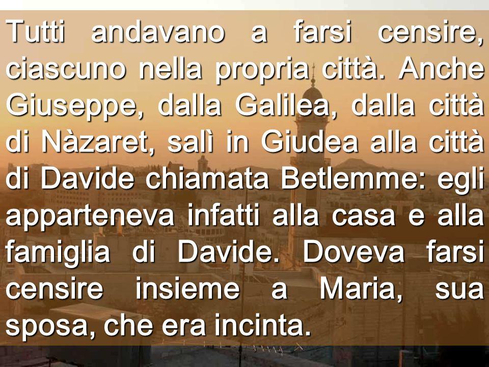 Busto di Cesare Inizia litinerario del distacco I potenti comandano. I poveri soffrono i comandi