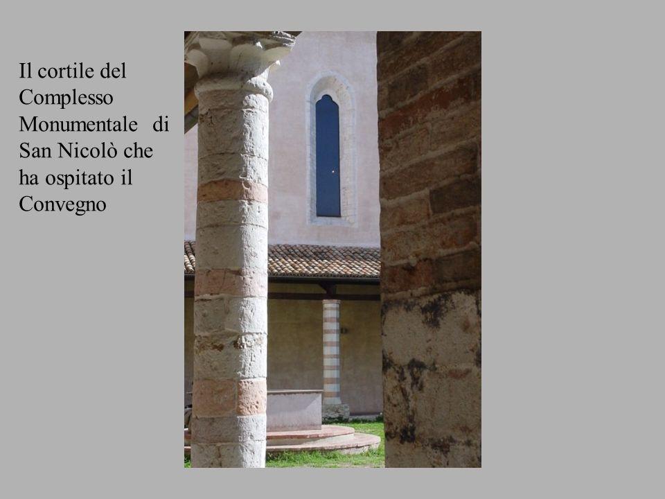 Il cortile del Complesso Monumentale di San Nicolò che ha ospitato il Convegno