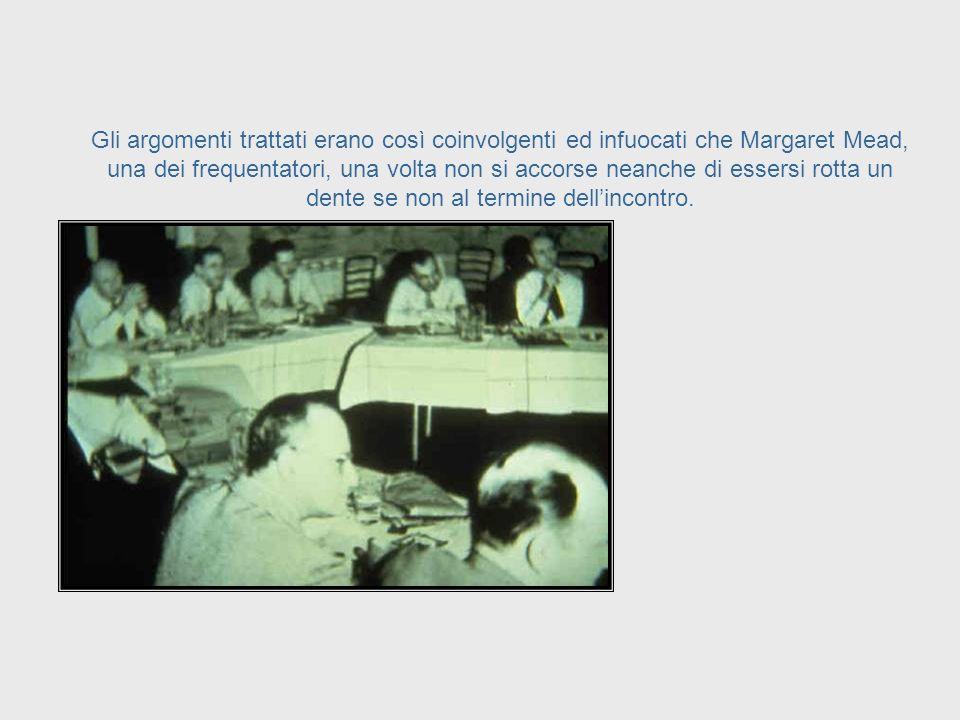 Il chairman di questi incontri, Warren McCulloch, scrisse che questi scienziati trovarono molta difficoltà nel comprendersi, perché ciascuno aveva svi