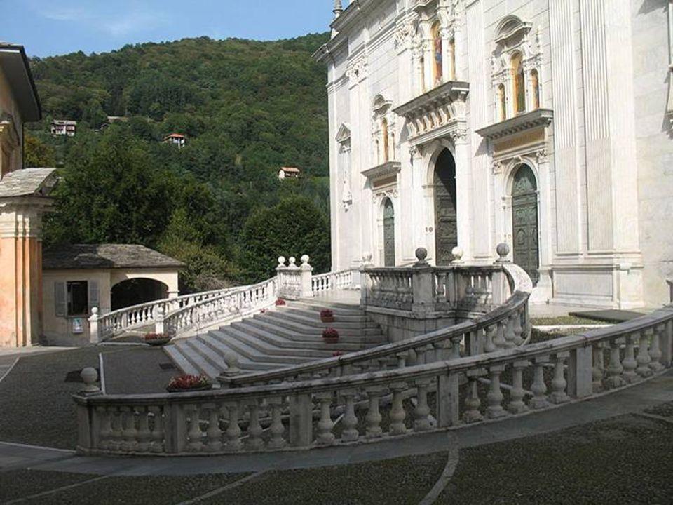Piazza della basilica