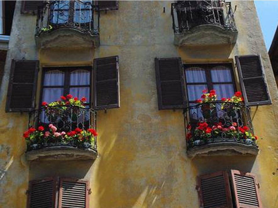 Si trova a Roccapietra di Varallo. Con affreschi di Gaudenzio Ferrari.