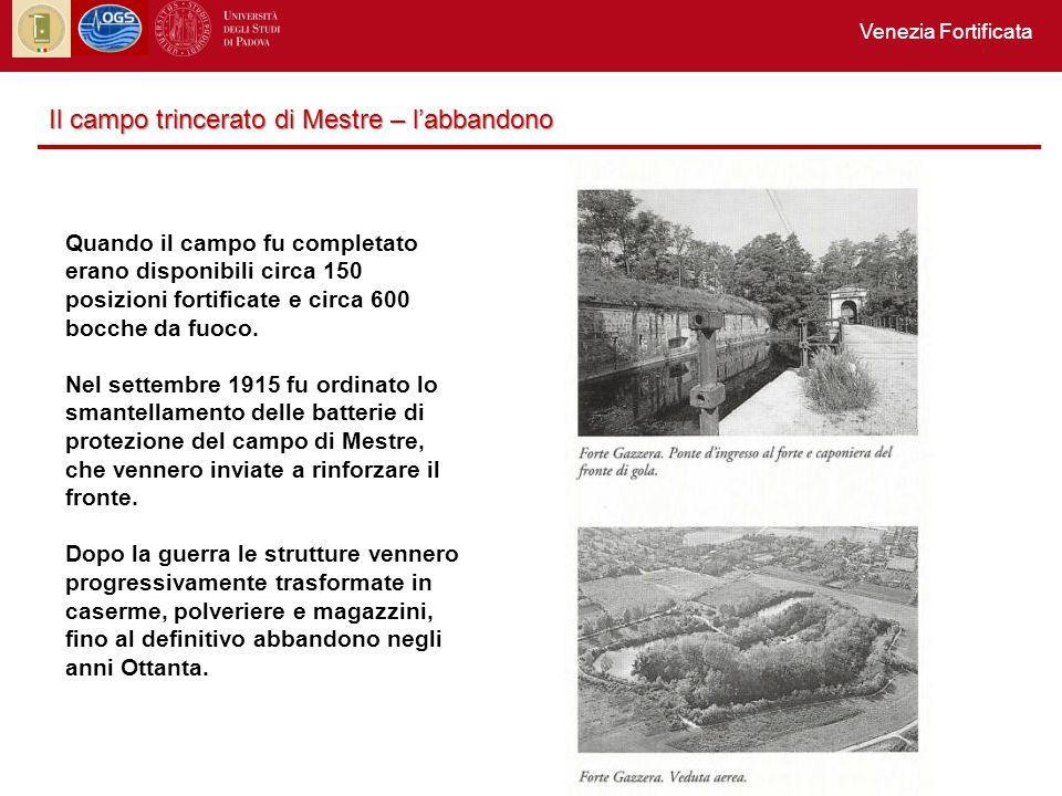 Quando il campo fu completato erano disponibili circa 150 posizioni fortificate e circa 600 bocche da fuoco.