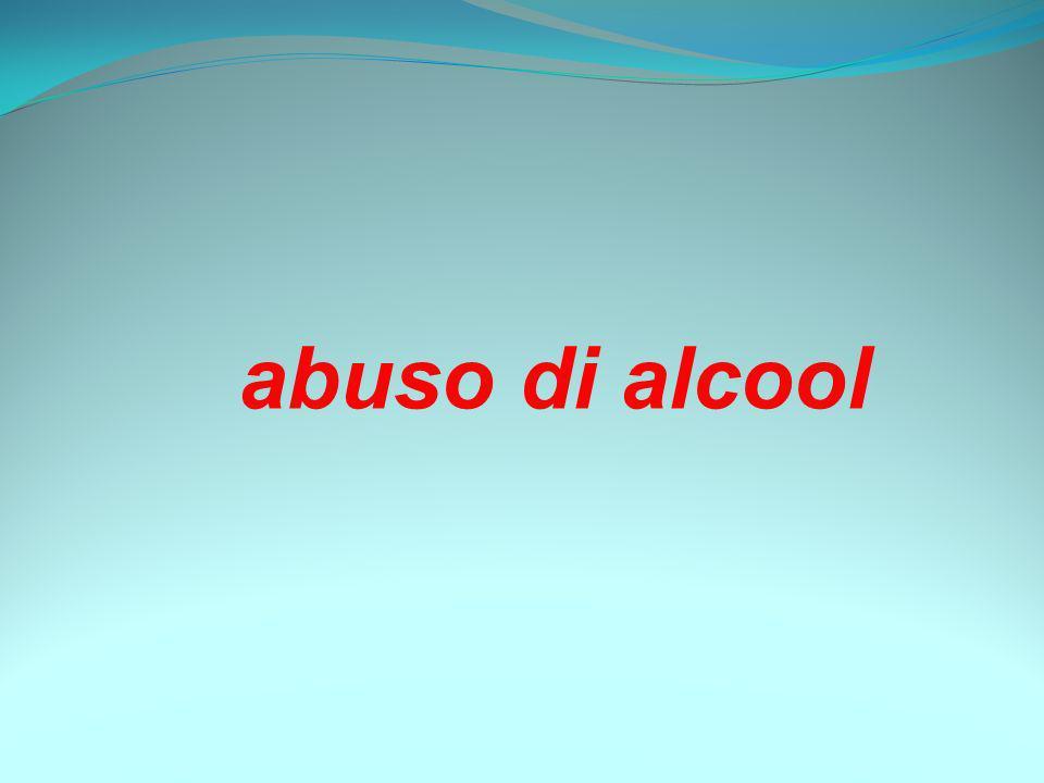 I NUMERI DELLALCOL Consumi In Italia il primo bicchiere viene consumato a 11-12 anni; letà più bassa nellUnione Europea (media EU 14,5 anni).