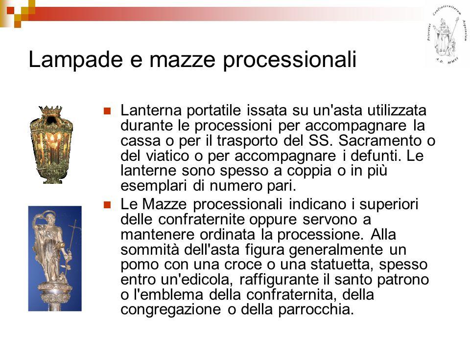 Lampade e mazze processionali Lanterna portatile issata su un'asta utilizzata durante le processioni per accompagnare la cassa o per il trasporto del