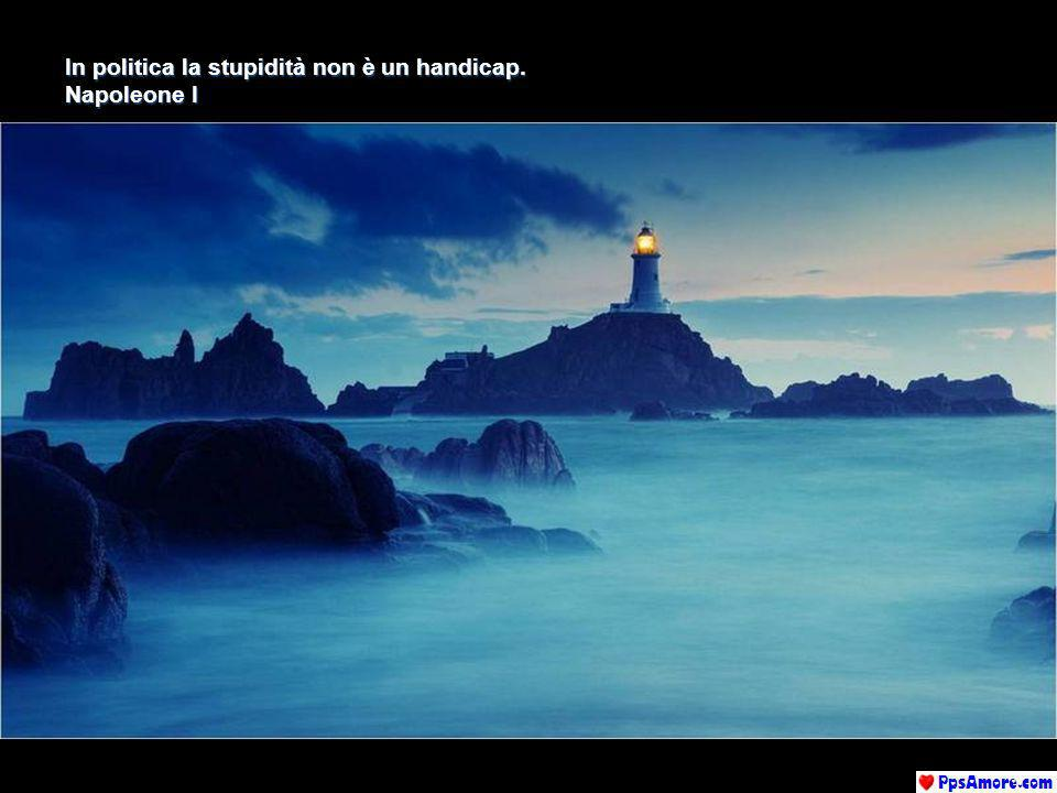 La diplomazia è larte di rimandare le decisioni fino a quando le cose non si risolvono da sole. Paulo Coelho