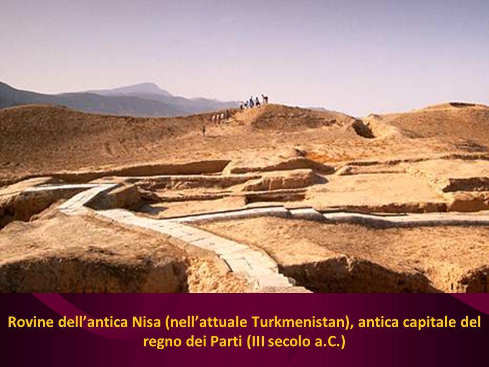 Rovine dellantica Nisa (nellattuale Turkmenistan), antica capitale del regno dei Parti (III secolo a.C.)