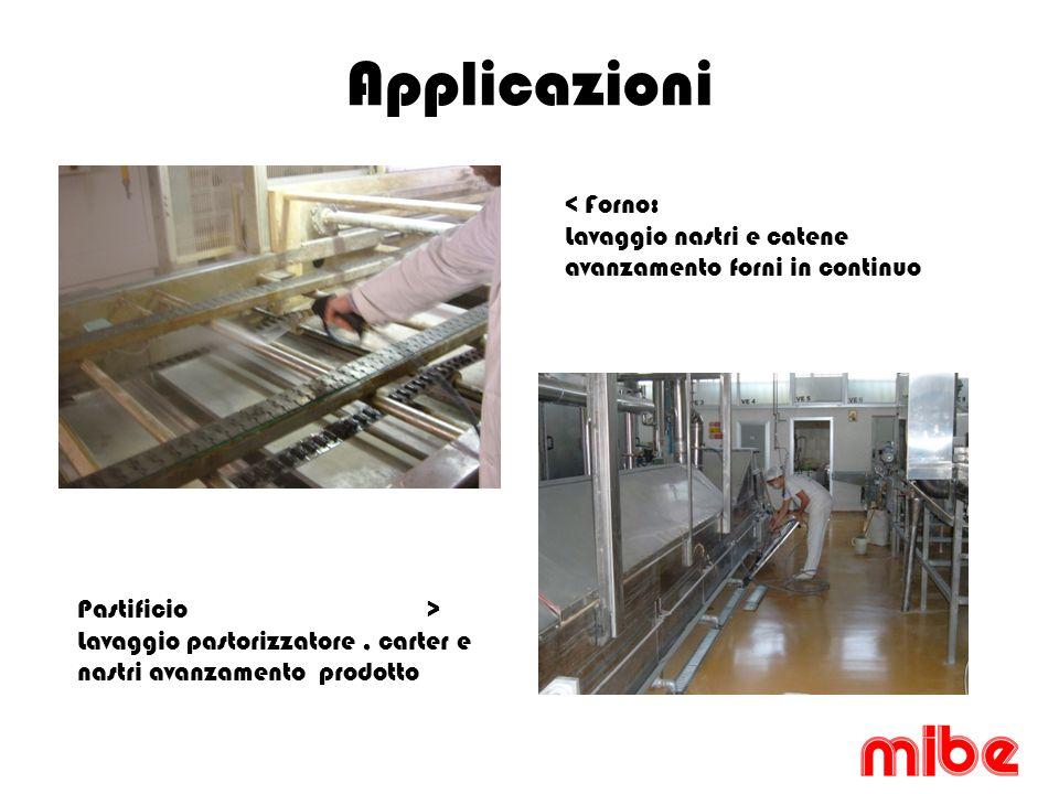 Applicazioni < Forno: Lavaggio nastri e catene avanzamento forni in continuo Pastificio > Lavaggio pastorizzatore, carter e nastri avanzamento prodotto