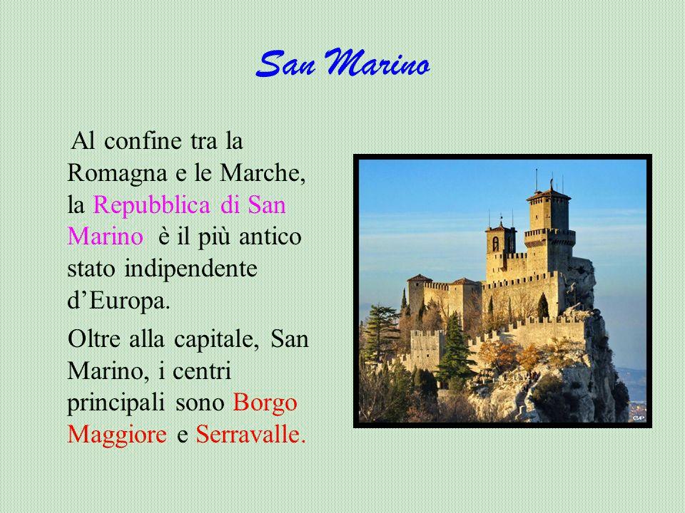 Le due torri (simbolo della città), entrambe pendenti, sono situate all'incrocio tra le vie che portavano alle cinque porte dell'antica cerchia di mur